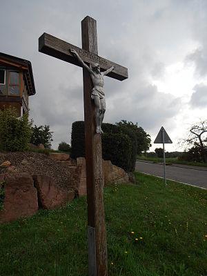 """Altes Wegkreuz in Limbach: """"Rette d..."""