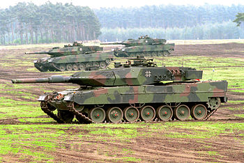Deutsch: Kampfpanzer Leopard 2A5 bei einer Leh...