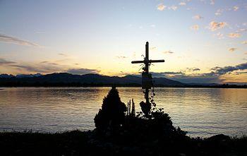 Deutsch: Das Grabkreuz ist ein christliches Ge...