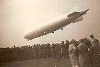 People watching the landing of Zeppelin LZ 127